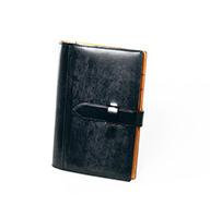 THIN BRIDLE (シンブライドル) システム手帳バイブルサイズ 44,280円(税込)