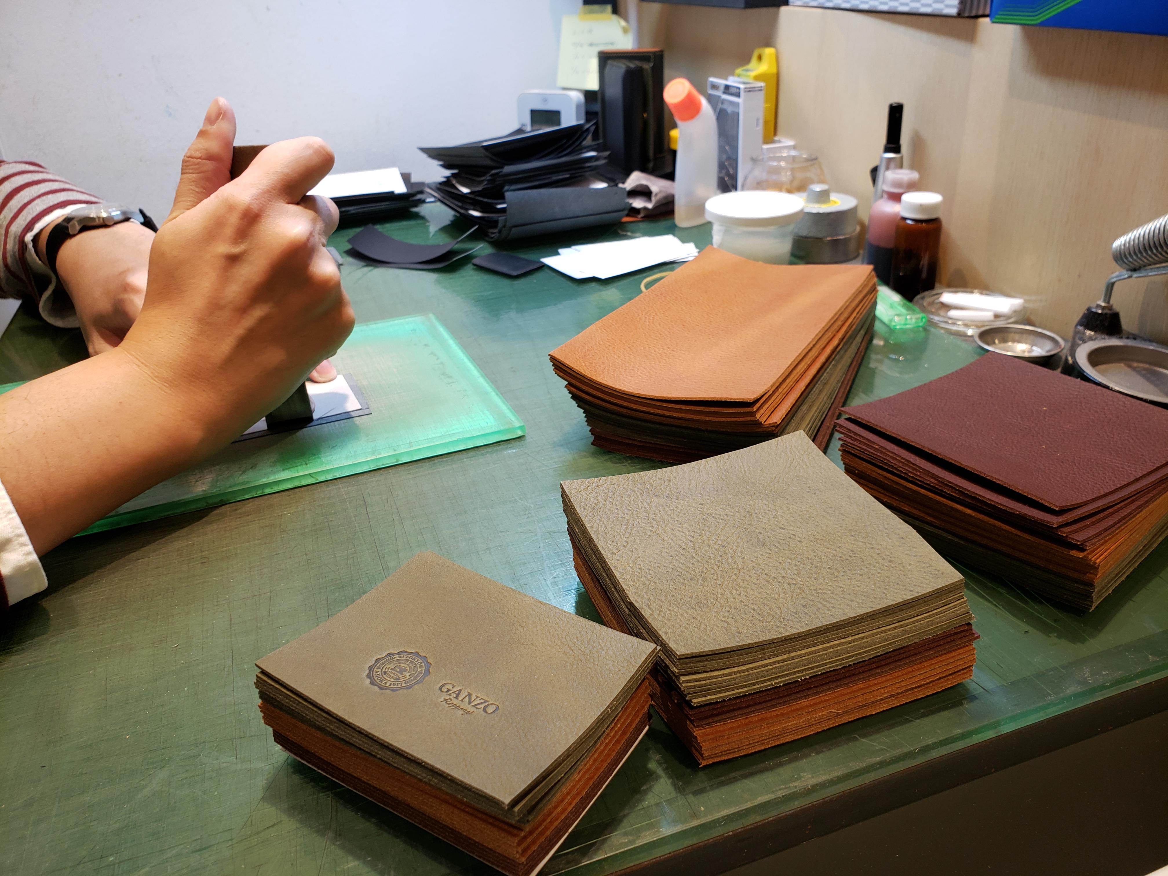 六本木店限定『クロスマチ三つ折り財布』の受注期間について
