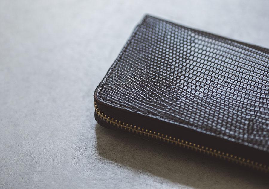 リザードのラウンドファスナー長財布