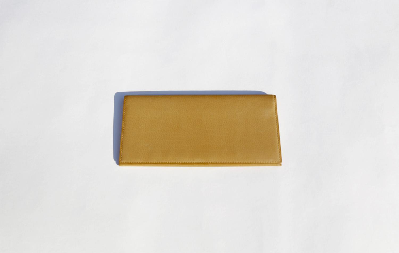 ベビーカーフの長財布