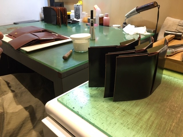 六本木店限定クロスマチ三つ折り財布について