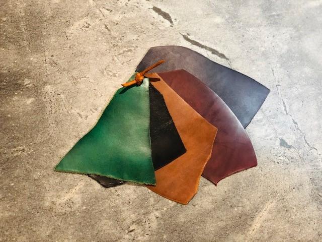 5色のタンニンレザー(牛革)の写真